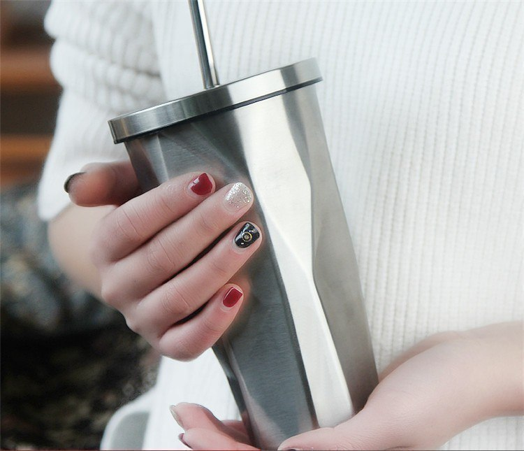 Металлический стаканчик с соломинкой -