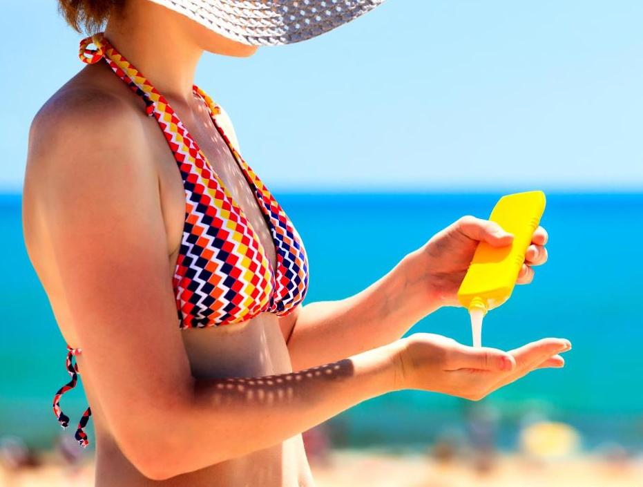 Лосьон для загара может иметь или не иметь солнцезащитные свойства, поэтому важно прочитать этикетку.