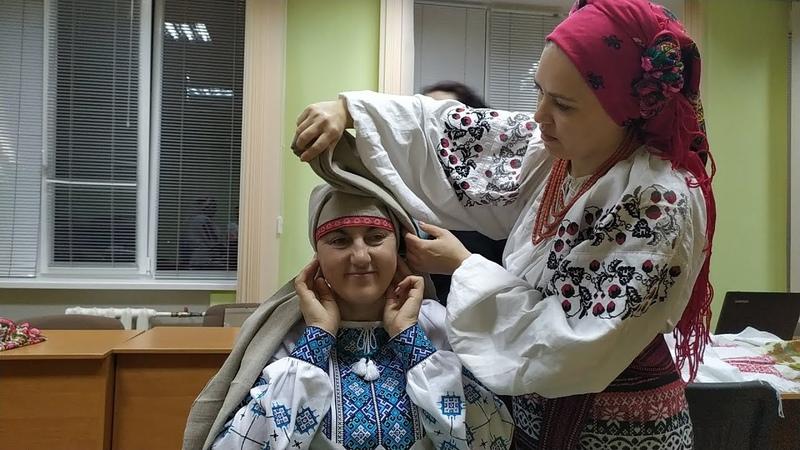 Майстер клас із зав'язування хустки з Ясною Яковенко