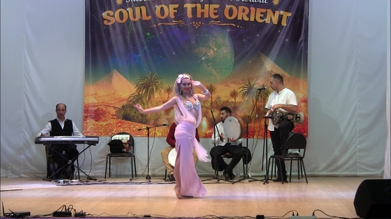 Soul of the Orient 2018 Anna Samoteeva with Al Azdekaa band crown of Reda Saad Professional WINNER