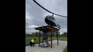 Strongman Helicopter Backlift World Record! Эльбрус Нигматуллин поднял вертолёт #shorts